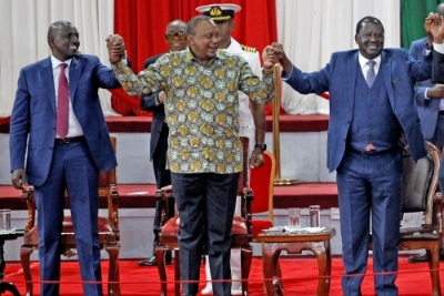 De gauche à droite : William Ruto, Uhuru Kenyatta, Raila Odinga lors du lancement de la Building Bridges Initiative.